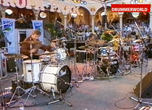 THE CLASSIC – DRUM BATTLE